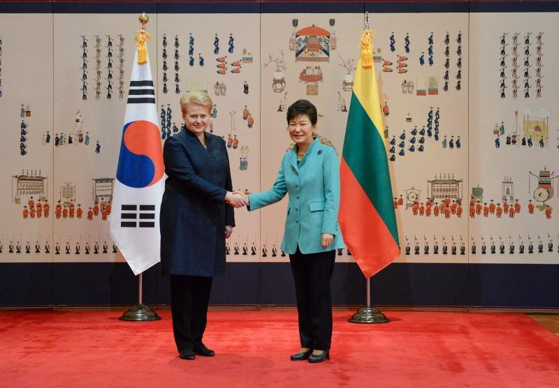 Lietuva ir P. Korėja: Abiejų šalių prezidentės