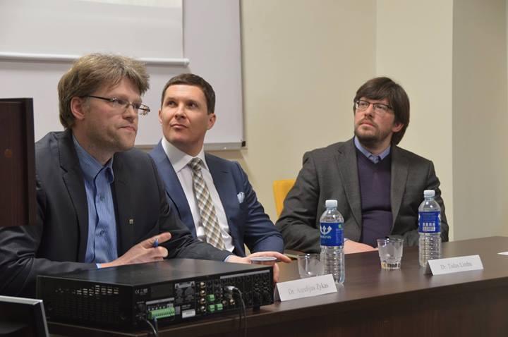 (iš kairės) dr. Aurelijus Zykas, doc. dr. Tadas Limba, doc. dr. Valdas Jaskūnas