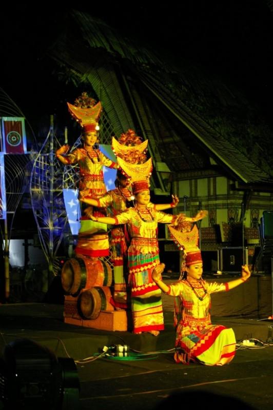 Traditional Sulawesi dance in TanaToraja, Sulawesi island