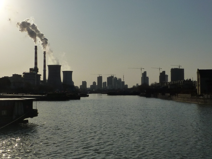 Yangzhou Power plant, one of numerous coal plants in China that constitute some two thirds of market share for power generation.