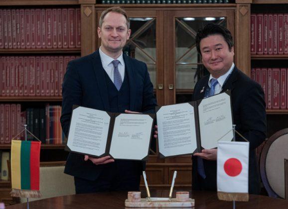 Europos ir Azijos transporto ministrų susitikime Lietuva ir Japonija pasirašo bendradarbiavimo memorandumą